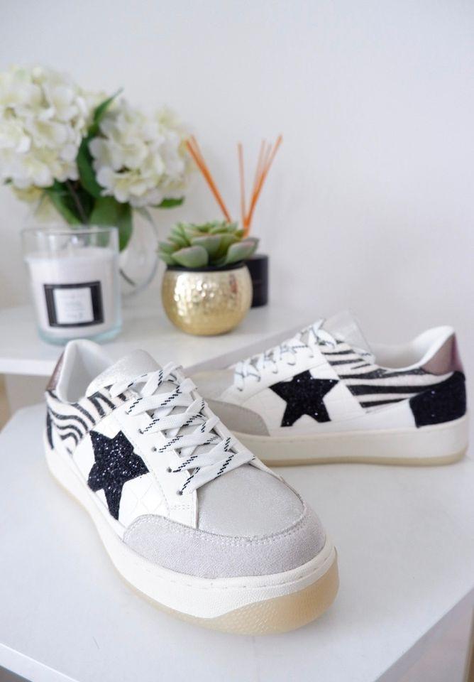 Amia – Monochrome Mix Print & Sequin Star Trainer produ