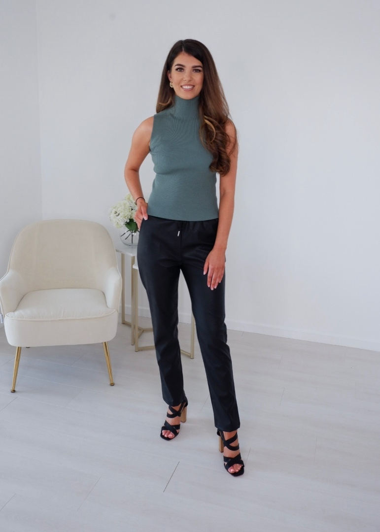 Lana – Faux Leather Jogger produ