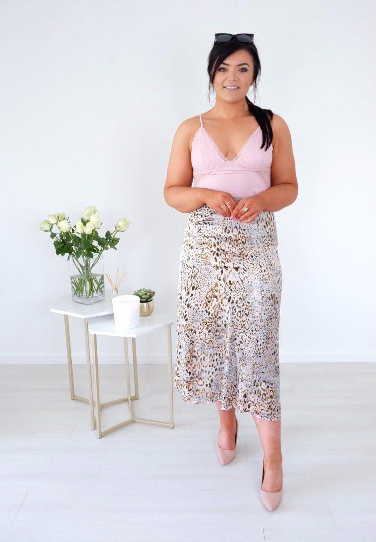 Belle – Satin Blush Leopard Print Midi Skirt produ