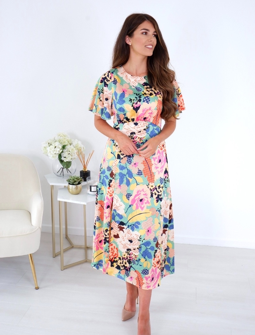 Brianna – Angel Sleeve Split Leg Midi Dress Green Floral Patchwork produ
