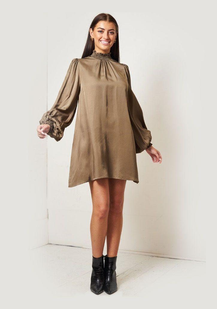 Zara – Bronze High Neck Satin Smocked Dress produ