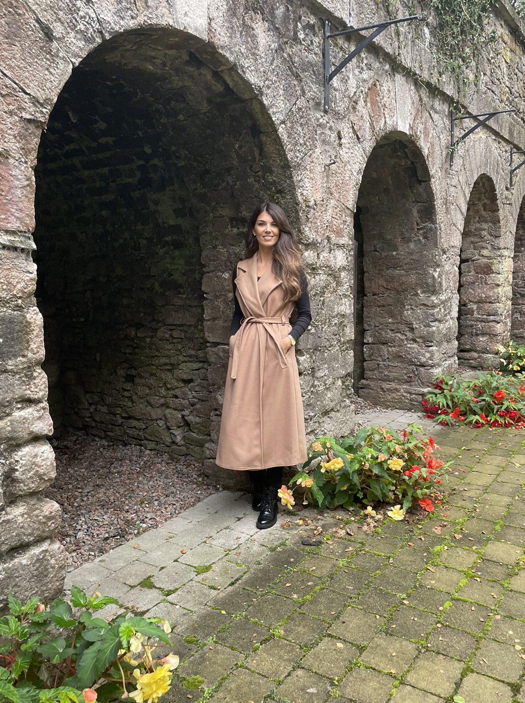 Cassandra – Tan Sleeveless Longline Jacket produ